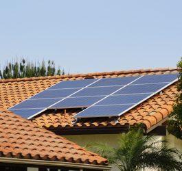 Sistemas residenciais impulsionam energia solar no Brasil