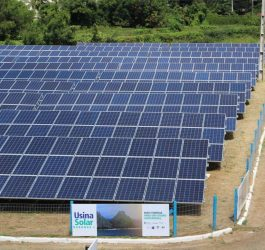Usina solar de Fernando de Noronha recebe baterias